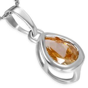 Ezüst színű nyaklánc, csepp alakú cirkónia kristályos medállal