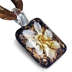 Virágmintás üveg nyaklánc - Akácia