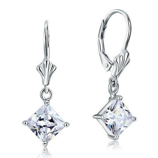 1.5 karátos ezüst fülbevaló négyzet alkú szintetikus gyémánt kristállyal - 925 ezüst ékszer