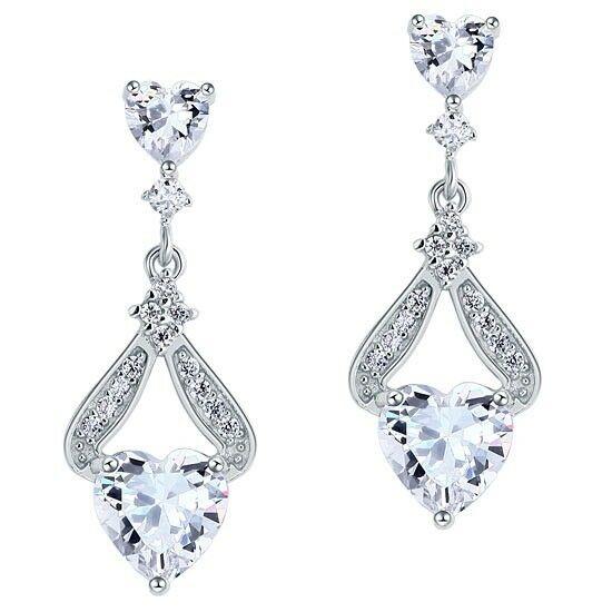 1.75 karátos ezüst fülbevaló szív alakú szintetikus gyémánt kristállyal - 925 ezüst ékszer