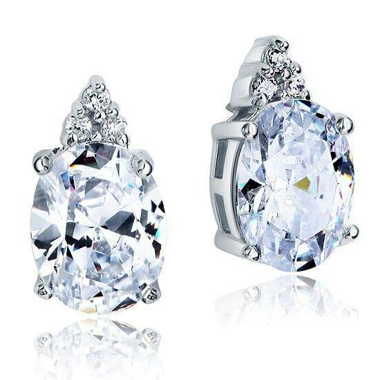 3 karátos ezüst fülbevaló ovális alakú szintetikus gyémánt kristállyal - 925 ezüst ékszer