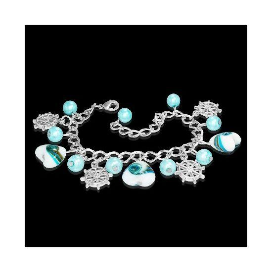 Ezüst színű karlánc kék szívecskés üvegdíszekkel