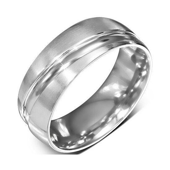Ezüst színű, matt felületű, átlósan hornyos nemesacél gyűrű ékszer