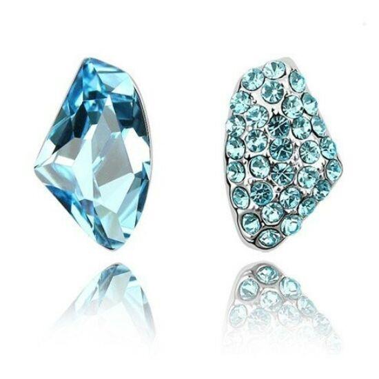 Kék Swarovski kristályos fülbevaló 106