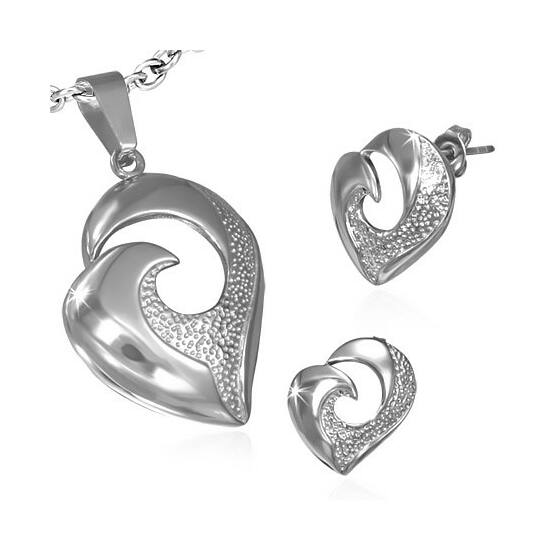 Nemesacél Szív alakú medál és fülbevaló szett