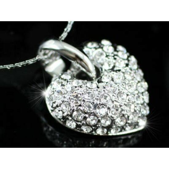 Szíves Swarovski kristályos nyaklánc-101