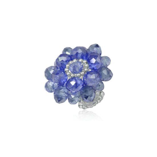 Virág alakú, gyöngyökből fűzött gyűrű