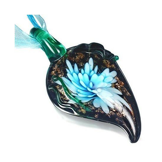 Virágmintás üveg nyaklánc - Levél
