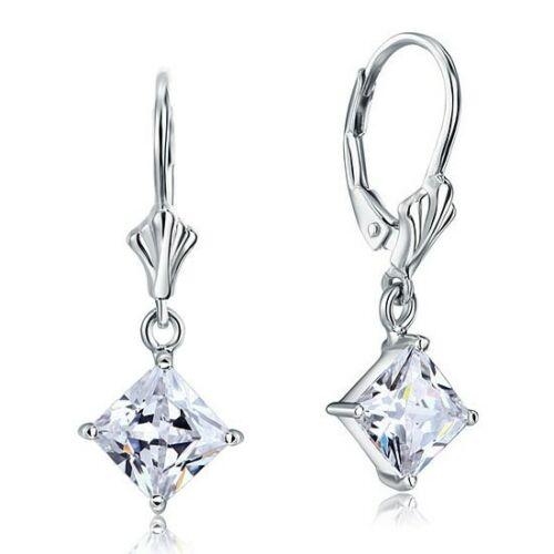 Image of 1.5 karátos ezüst fülbevaló négyzet alkú szintetikus gyémánt kristállyal - 925 ezüst ékszer