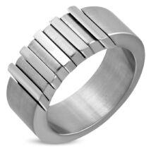Ezüst színű, matt felületű, bordás nemesacél gyűrű ékszer