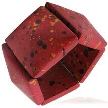 Piros színű, divatos fa karkötő