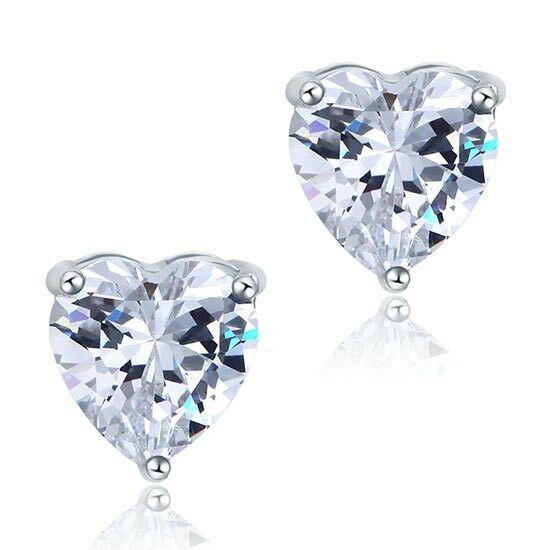 2 karátos ezüst fülbevaló szív alakú szintetikus gyémánt kristállyal - 925 ezüst ékszer