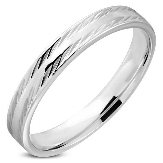 Ezüst színű, barázdált felületű nemesacél karikagyűrű ékszer