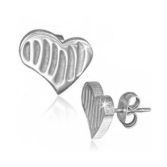 Ezüst színű, bordázott, szív alakú nemesacél fülbevaló ékszer